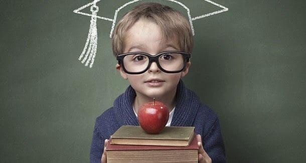 В МОН предложили отдавать детей в школу с пяти лет