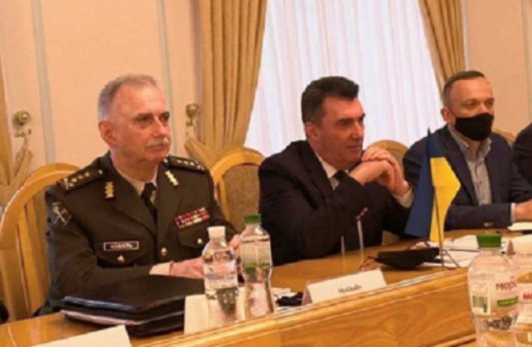 В СНБО готовятся к спецзаседанию по Донбассу