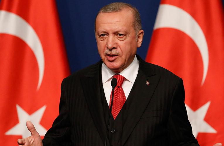 «Следует взяться за ум»: Эрдоган обратился к Армении во время военного парада в Баку