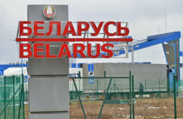 Белоруссия закрывает наземные границы
