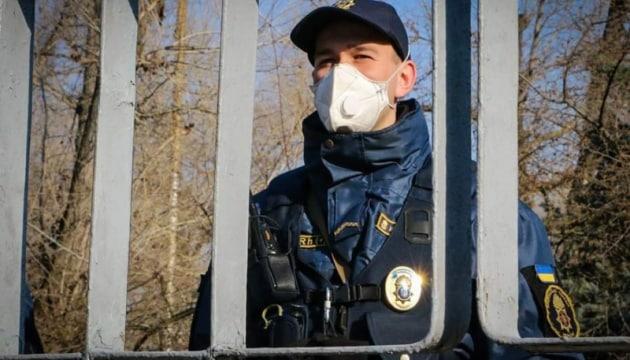 Украинцев будут штрафовать за нарушение самоизоляции