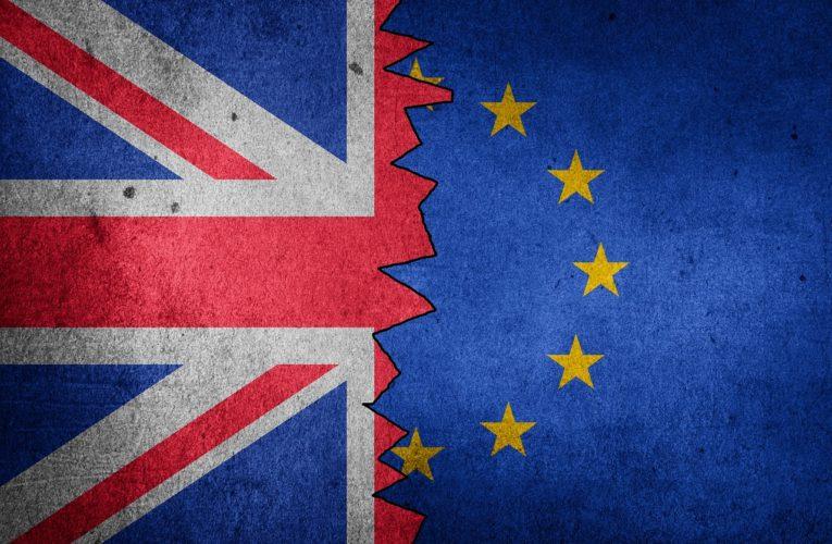 Великобритания и ЕС заключили торговую сделку по Brexit после месяцев разногласий