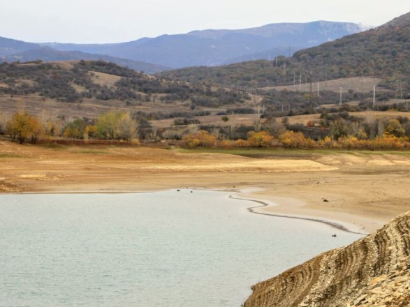 В Крыму пересохло водохранилище, которое обеспечивало пресной водой Симферополь