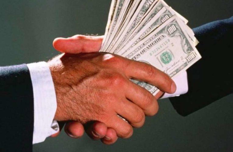 В НАПК назвали число коррупционеров среди украинцев