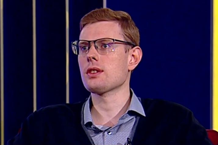 Андрій Смолій: у «референдуми» Зеленського можна буде запакувати що завгодно