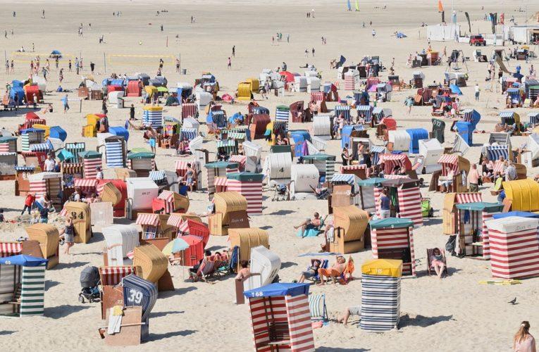 Госавиаслужба утвердила список стран, в которых украинцы смогут отдыхать летом