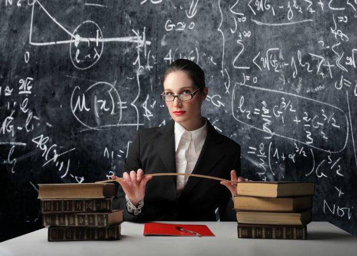Кабмин утвердил повышение зарплат учителям
