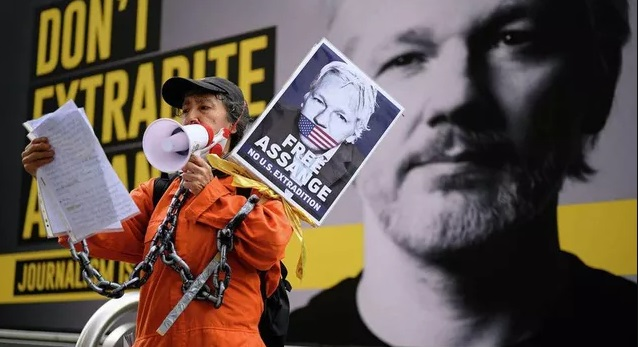 Лондонский суд отказался освободить Ассанжа под залог