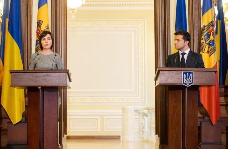 Президент Молдовы по-украински поприветствовала военных на встрече с Зеленским