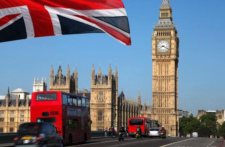 Британия начала разработку «паспортов вакцинированных»