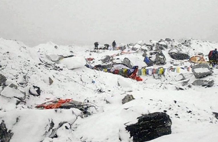 Тела 10 погибших нашли на севере Индии после схода ледника