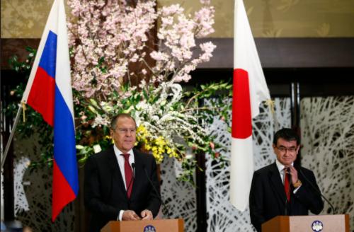 В Японии заявили о готовности к настойчивым переговорам по Курилам