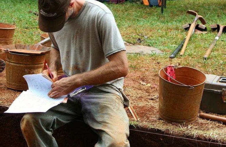 Археологи обнаружили в скифском кургане необычный скелет воина