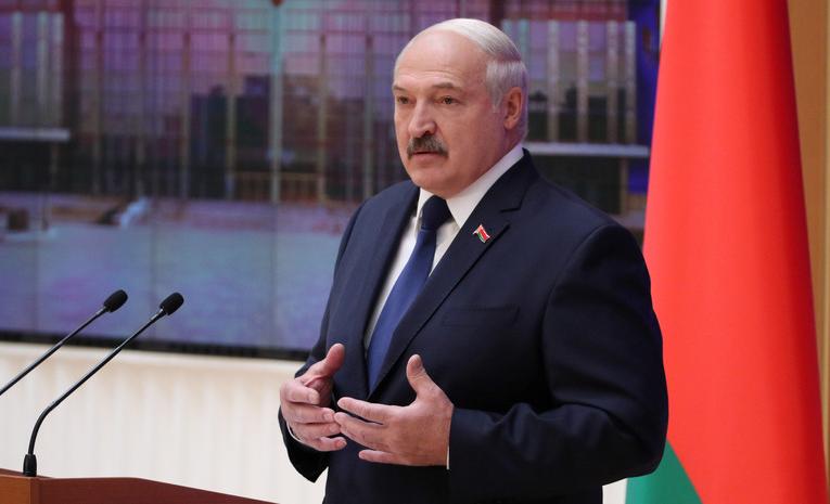 Лукашенко рассказал, передаст ли власть сыну