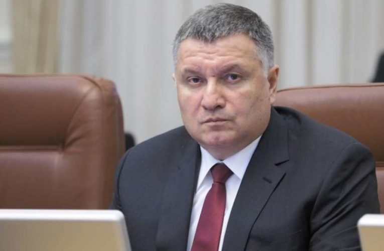 Аваков заявил, что на Донбассе снова началась война