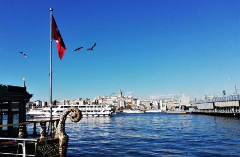 Власти Турции определились с началом туристического сезона