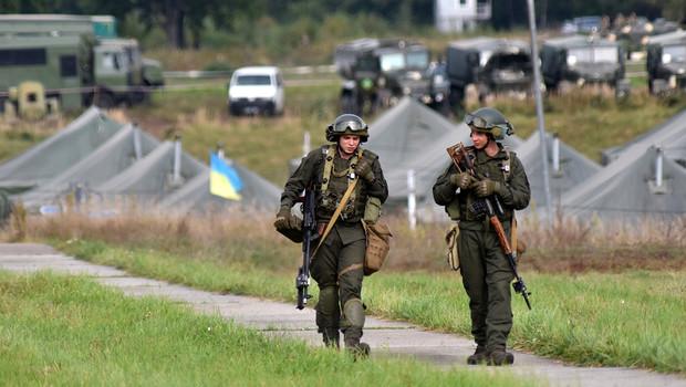 Украина проведет военные учения на границе с Крымом