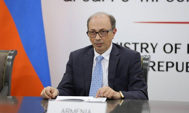 Армения допустила диалог с Азербайджаном, но с особой атмосферой