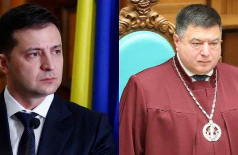 Глава Конституционного суда Украины Тупицкий подал иск на Зеленского