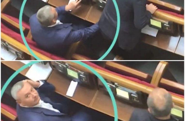 В Украине начали привлекать нардепов за кнопкодавство