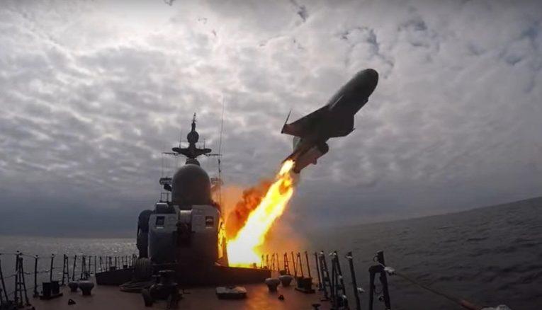 Тихоокеанский флот провел стрельбы в Японском море