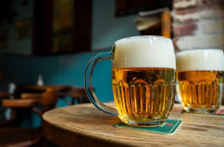 Немецкие пивоварни уничтожили миллионы литров пива из-за коронавируса