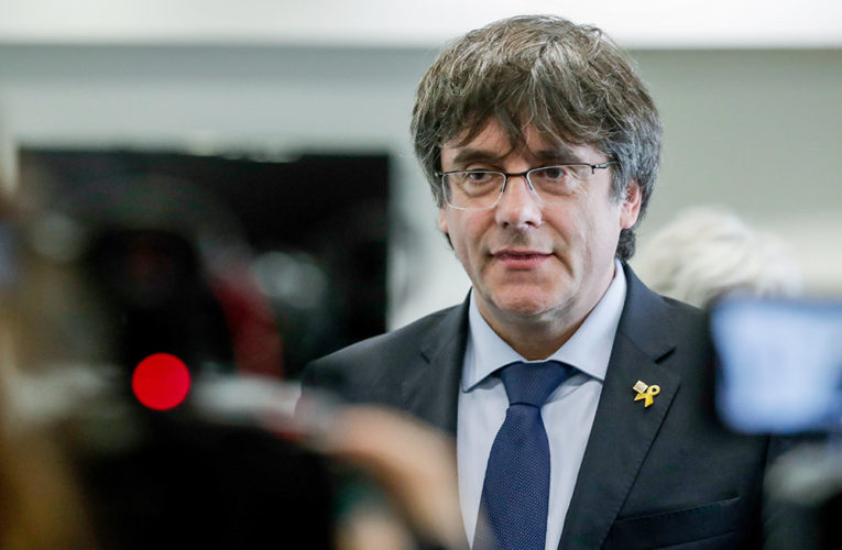 Европарламент лишил неприкосновенности Пучдемона