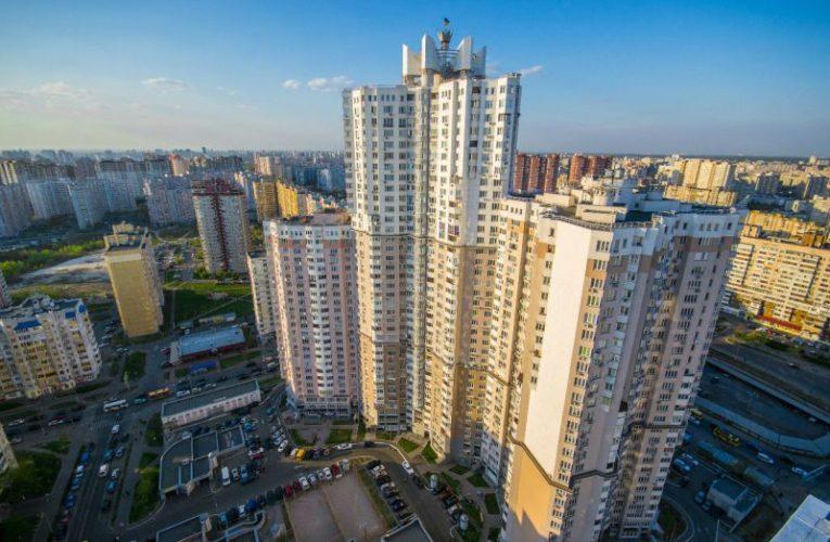 14-летняя киевлянка выпрыгнула с 18 этажа