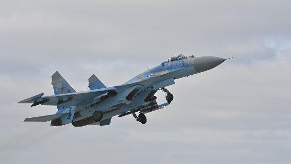 Российский Су-27 перехватил американские бомбардировщики над Балтийским морем