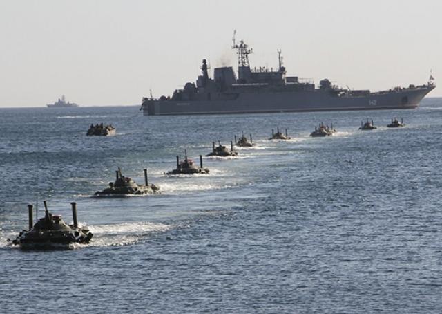 НАТО увеличило морскую группировку кораблей в Черном море