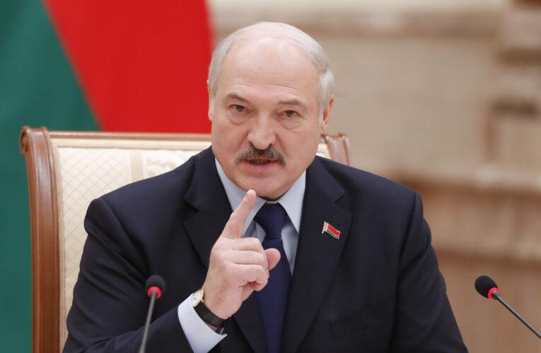 Лукашенко задумался о закрытии посольств Белоруссии