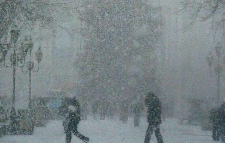 Циклон принесет в Украину снег и мороз