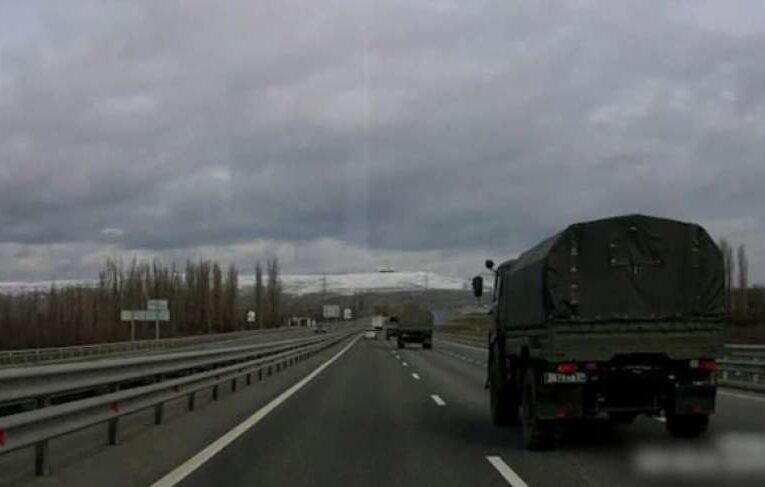Россия стягивает в Крым тяжелую военную технику