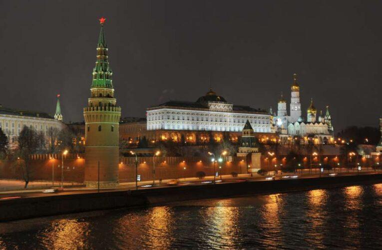 В Кремле прокомментировали вероятность разговора Путина с Зеленским
