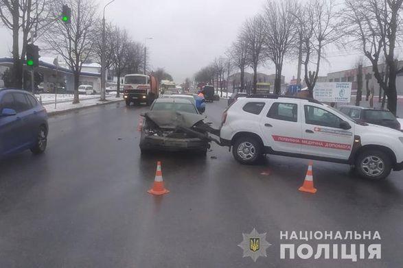 Автомобиль с вакцинами от COVID-19 попал в ДТП в Тернополе