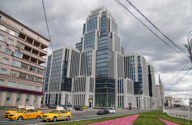Российский школьник упал с 25-го этажа и выжил