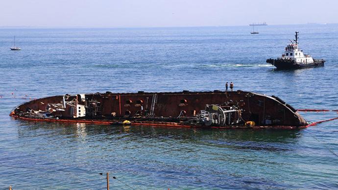 Суд обязал владельца танкера Delfi выплатить почти три миллиона гривен