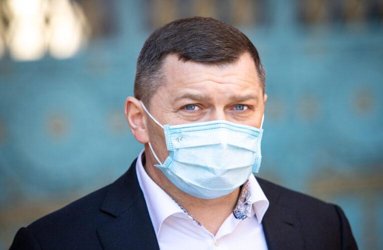 В Киеве могут закрыть школы, садики и остановить транспорт из-за критической ситуации с коронавирусом