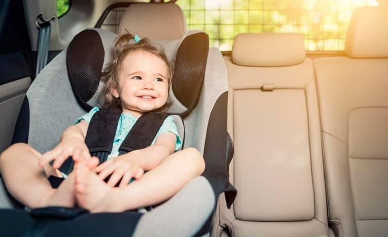 Кабинет министров изменил требования к перевозкам детей в авто