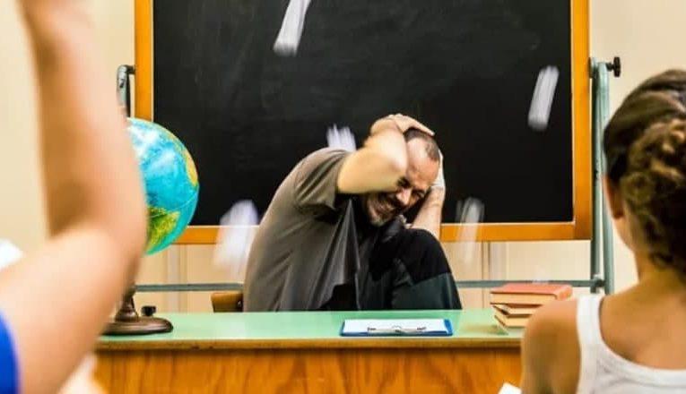 В Украине будут штрафовать за оскорбление учителя