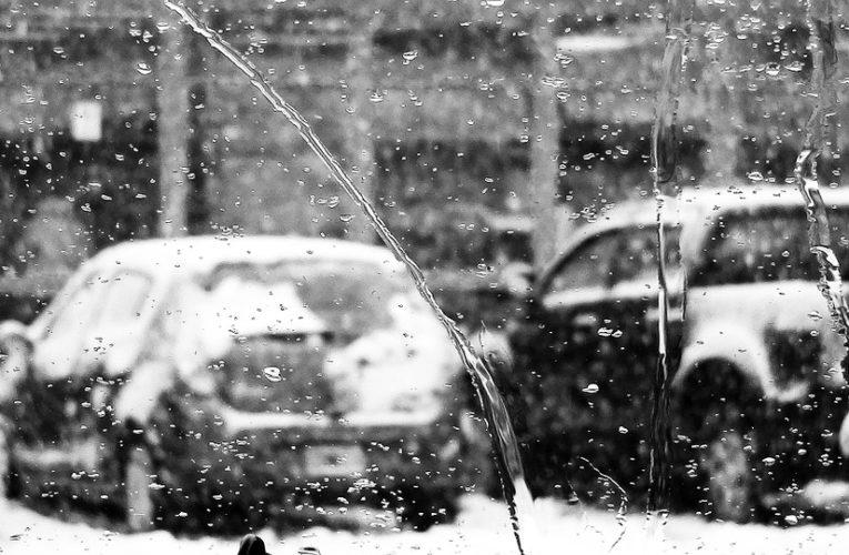 Украинцев ждут снег и дожди всю неделю