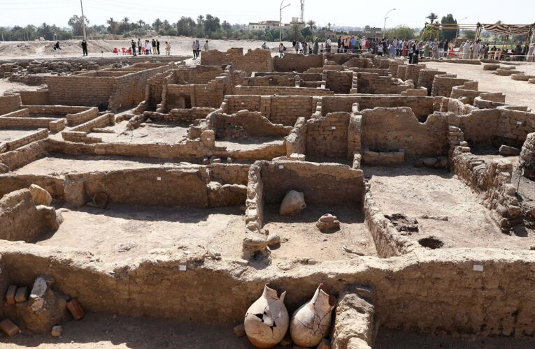Стало известно, когда туристов пустят в «золотой город» под Луксором