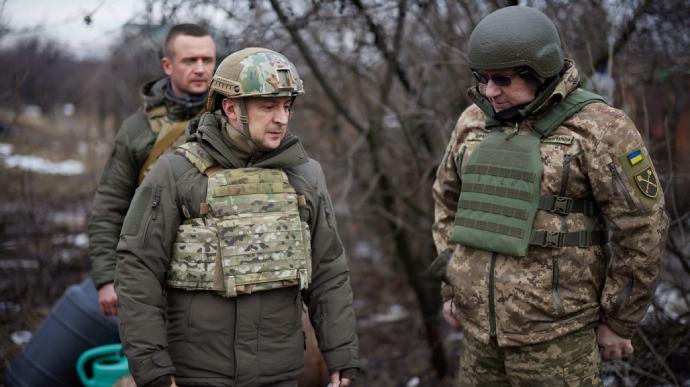 Зеленский прокомментировал свой визит на Донбасс