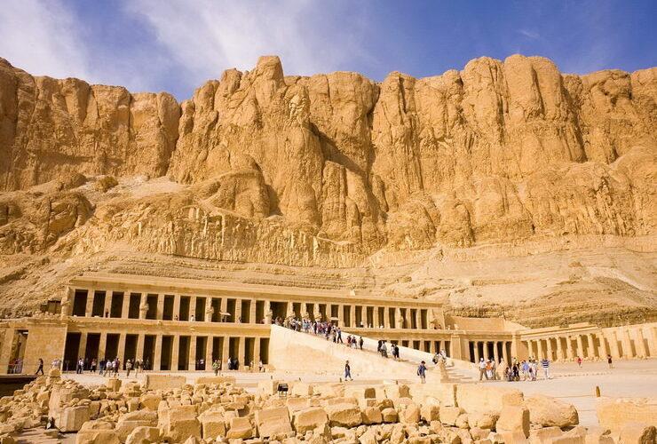 Археологи обнаружили на юге Египта древний город возрастом более 3400 лет