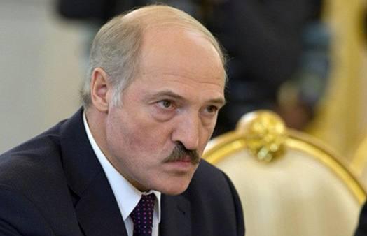 Лукашенко запретил ввозить на территорию Белоруссии автомобили