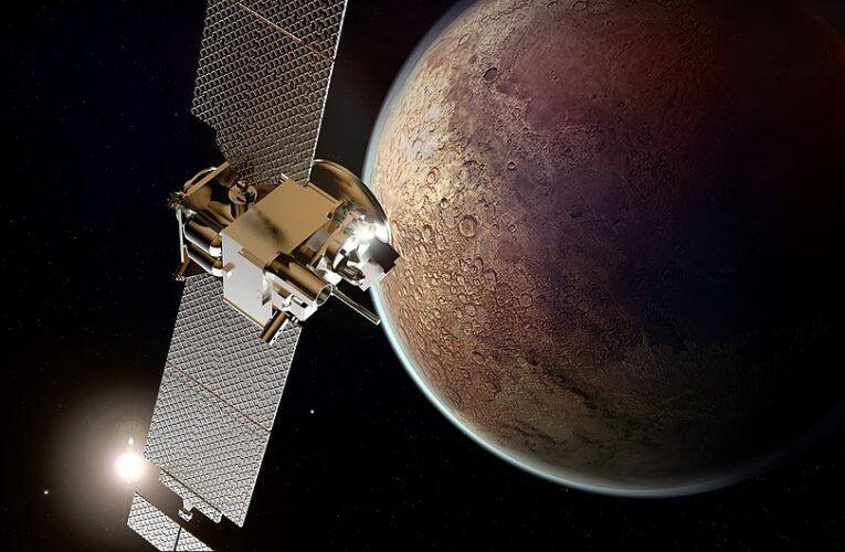 NASA показало радугу на Марсе (Фото)