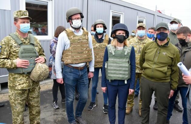Премьер Эстонии объяснила, почему посетила Луганщину