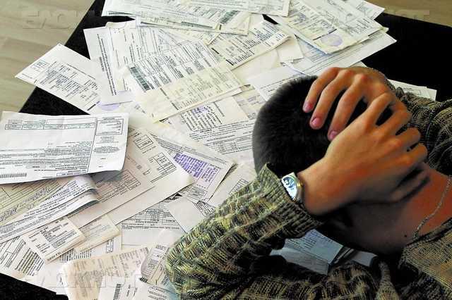 Власти нашли новый способ заставить украинцев погасить долги за коммуналку