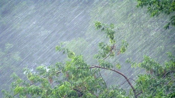 На ряд областей Украины обрушатся проливные дожди