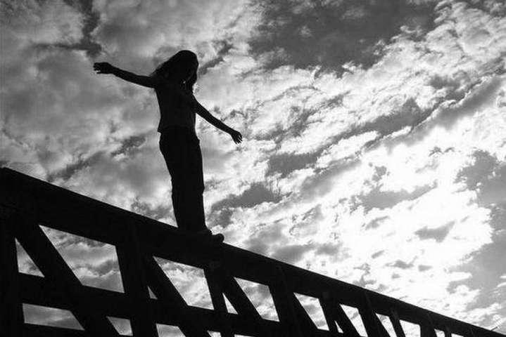 Зафиксирован небывалый рост случаев суицида среди украинских детей